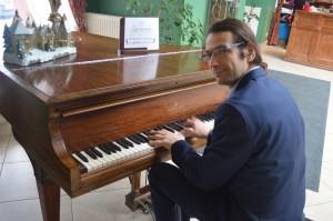 Nowy Rok przy fortepianie